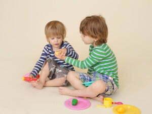 Ayudar a los Niños a Aprender a Compartir