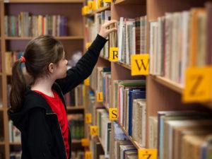 Ayudando a Niños Mayores y Adolescentes a Desarrollar Buenos Hábitos para la Lectura