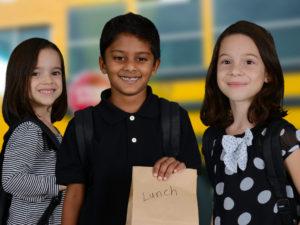 Consejos para Ayudar a los Niños a Sentir Menos Ansiosos Sobre el Comienzo de la Escuela