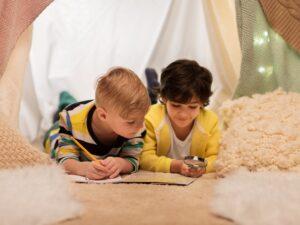 ¿Está encerrado con sus niños en la casa? ¡Haga una búsqueda del tesoro (y otras ideas divertidas)!