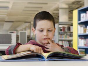 Realice una búsqueda del tesoro de la lectura este verano